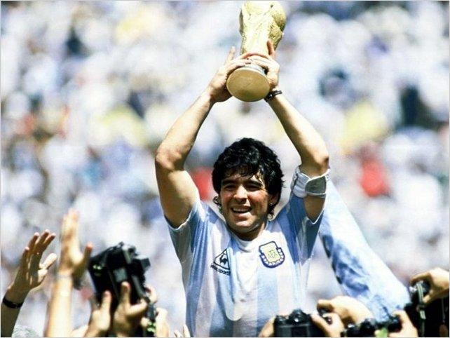 Maradona: muere el astro argentino que fue mucho más que el futbolista más grande de la historia