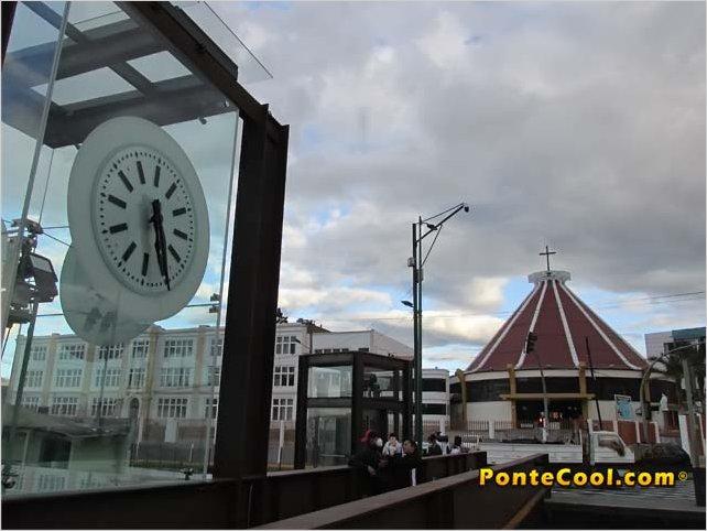 Se inauguró las gradas eléctricas del pasaje Pelileo en Ambato