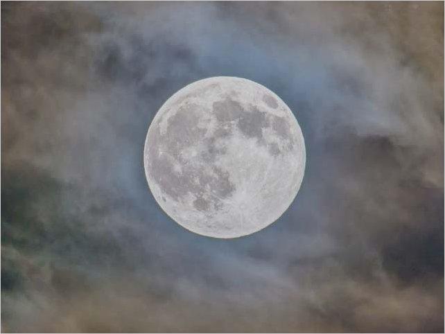 Esta noche se podrá apreciar la primera Luna llena de Lobo del 2021
