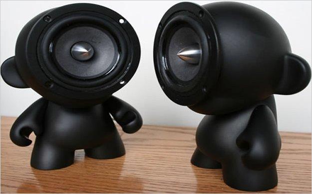 www.pontecool.com Cómo conectar parlantes estéreo a una PC