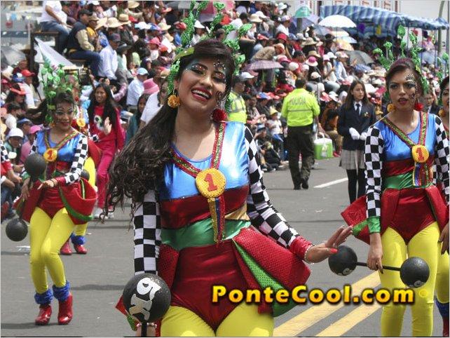 En Ambato se realizó el desfile de la Fiesta de la Fruta y de las Flores 2020