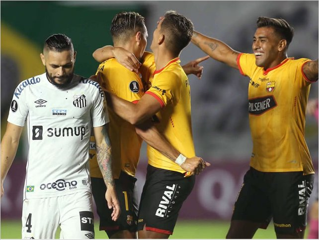 Barcelona triunfó 2 - 0 de visitante sobre Santos FC por la Copa Libertadores
