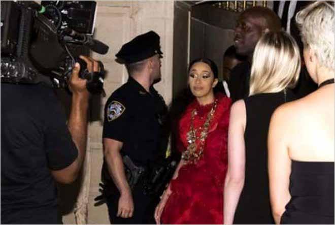 Después de la pelea en la New York Fashion Week, Cardi B explota contra Nicki Minaj en Instagram