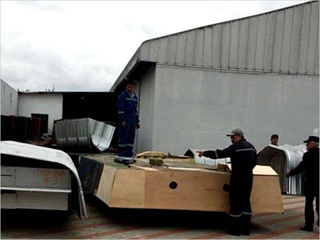 Avanza la construcción de los carros alegóricos para la edición 66 de la Fiesta de la Fruta y de las Flores