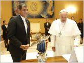 Papa Francisco recibe a presidente de Ecuador Rafael Correa en el Vaticano