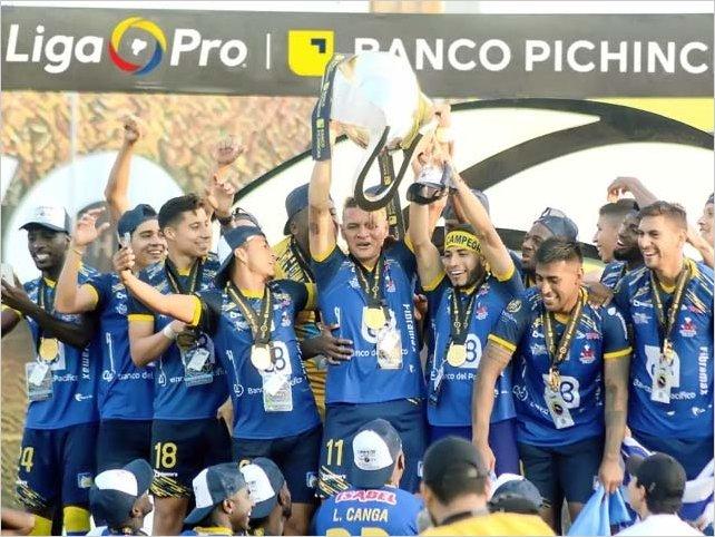 Delfín S. C. se coronó campeón inédito del fútbol ecuatoriano