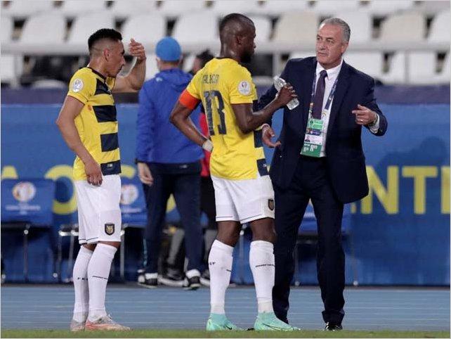 Ecuador empató con Perú 2-2 en la Copa América y ahora tendrá que ganar a Brasil para continuar