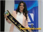 Ex Reina dono la cinta para la nueva reina de Ambato 2015
