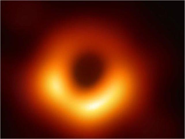 La foto del agujero negro explicada por uno de los científicos que la hizo posible