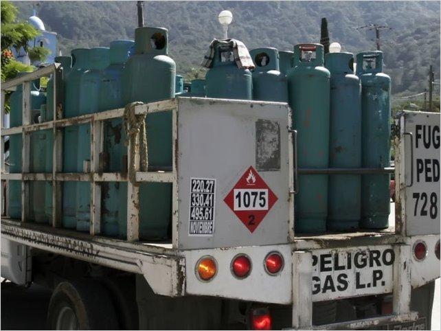 Falta de control de autoridades permiten la especulación del gas en Tungurahua
