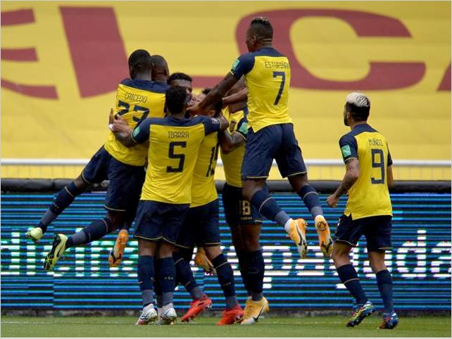Ecuador a puro gol aplastó 6:1 a Colombia en el estadio Rodrigo Paz en Quito