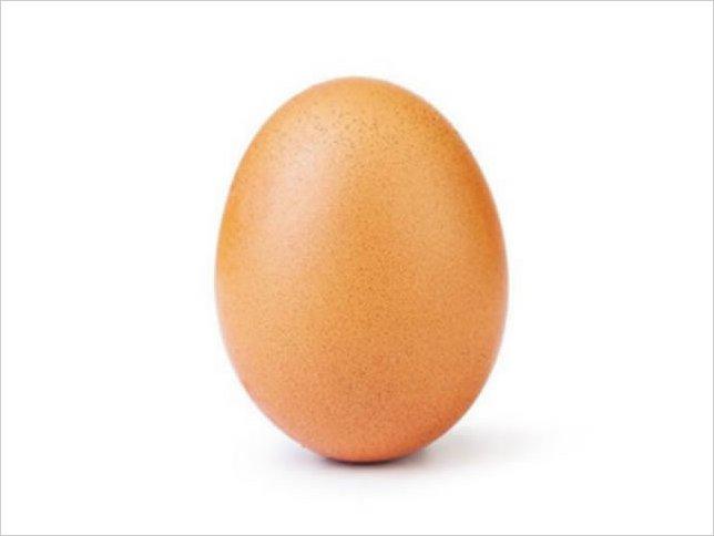 Un huevo rompe récord de Instagram y sacude Internet