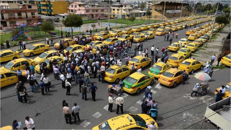 Transportistas de Ecuador dan por terminado el paro nacional