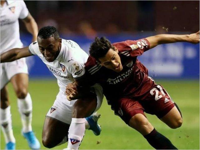 Liga de Quito se hizo fuerte de local y le ganó 3-0 a River