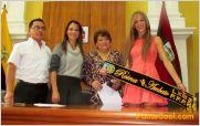 La ex reina Srta. Luisa Cobo Callejas, don� la Banda para la nueva reina de Ambato 2014
