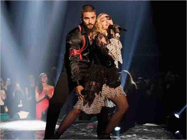 La presentación de Maluma y Madonna en los Billboard Music Awards