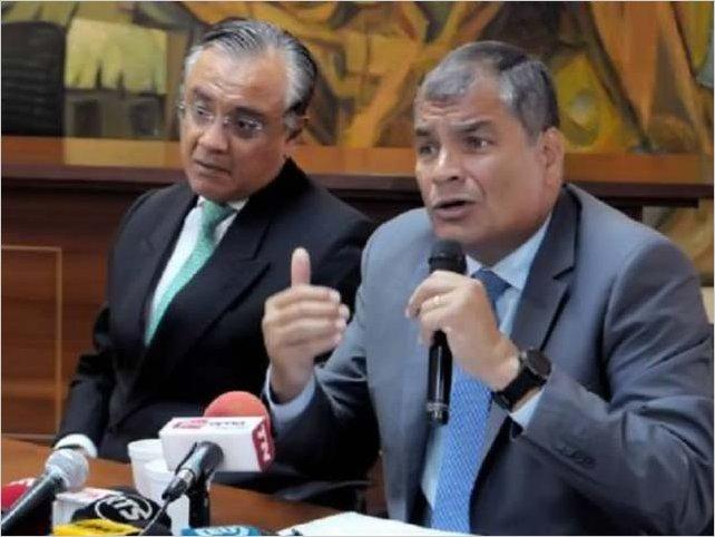 Un cuaderno revela en Ecuador pagos ilegales entre altos cargos y empresas