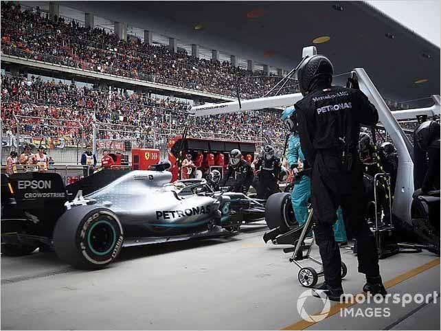 Mercedes lo hace de nuevo y logra una parada en boxes doble de Fórmula 1 que parece imposible
