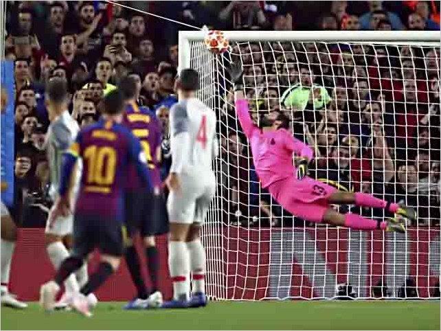 El increíble golazo de libre directo de Messi para celebrar su gol 600 con el Barça