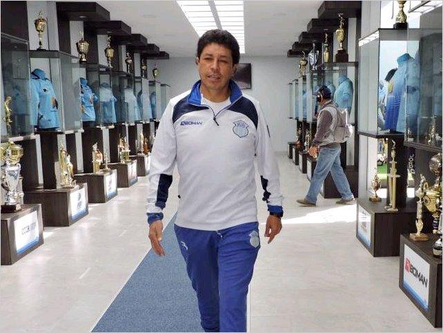 AFE premió a Paúl Vélez por ser el mejor entrenador técnico del 2019