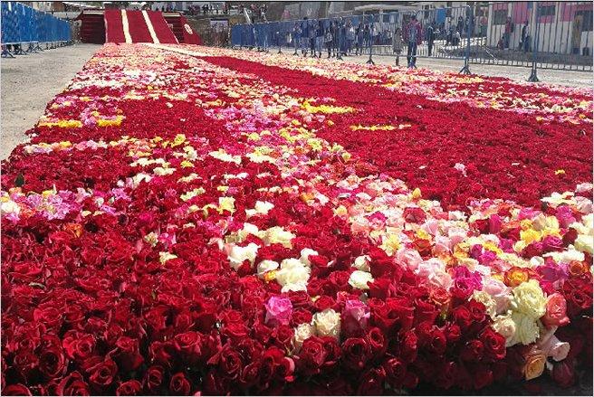 Pirámide de rosas gana el récord Guinness en Ecuador
