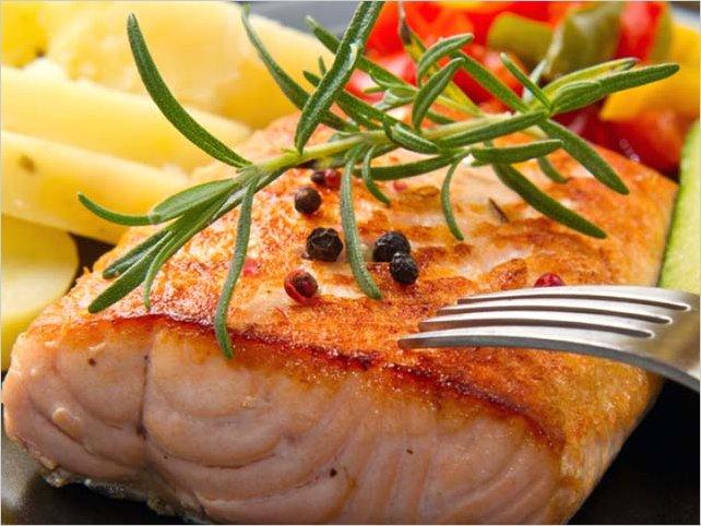 3 hábitos alimenticios que pueden potenciar la regeneración de neuronas