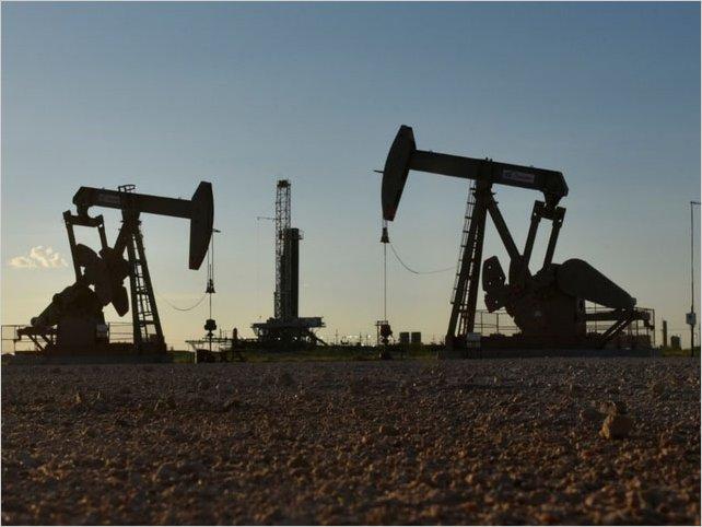 Por conflicto EU-Irán, petróleo entrará en periodo de alzas por un mes: analistas