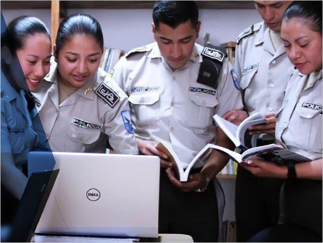 La Policía Nacional de Ecuador ofrece 2000 puestos de trabajo; estos son los requisitos