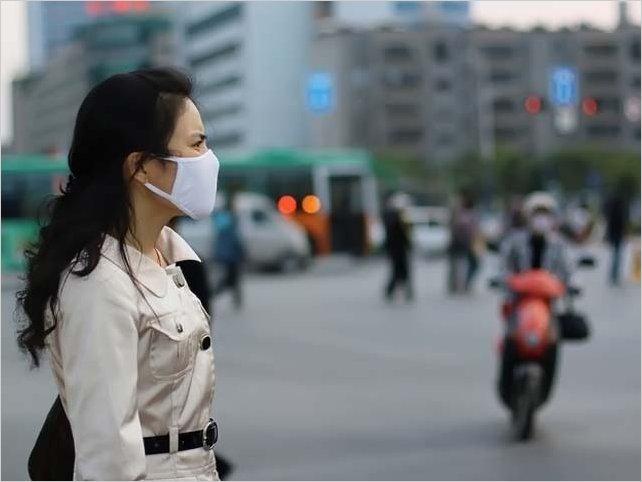Grupo de científicos contradice a la OMS y asegura que el coronavirus se puede propagar por el aire