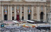 35.000 rosas ecuatorianas adornaron la canonizaci�n de los papas Juan XXIII y Juan Pablo II