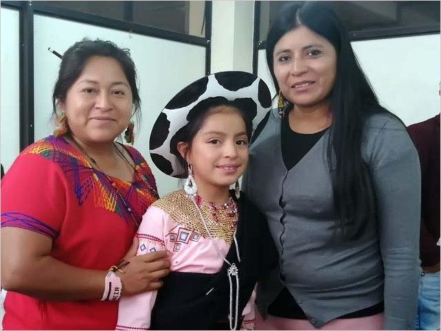 Niña saraguro pide al presidente Lenín Moreno