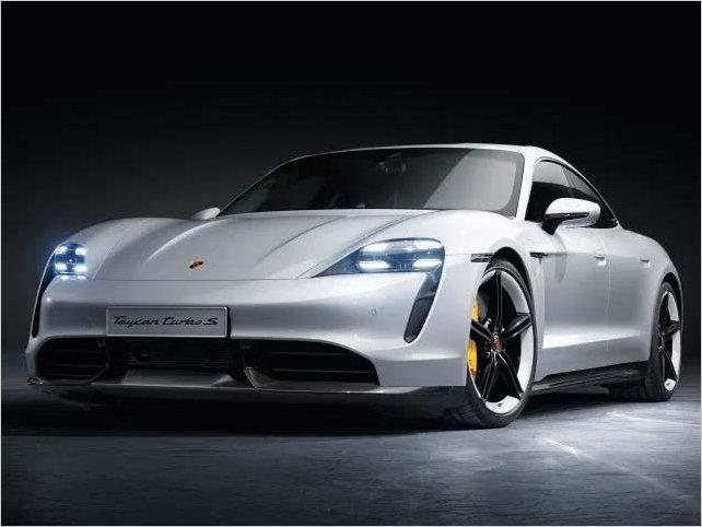Porsche presenta recién su primer auto totalmente eléctrico, y ya vendió todas las unidades que va a producir