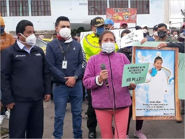 Pobladores de Alobamba y Tisaleo exigen señalética en la vía Ambato - Riobamba