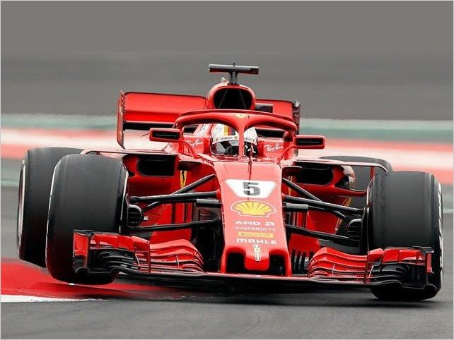 Vettel fue el más rápido en una jornada con mal clima en Barcelona