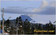 EL volc�n Tungurahua en Ecuador atrae a los turistas